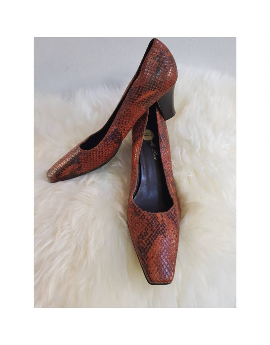 BROWN SKIN COURT SHOE